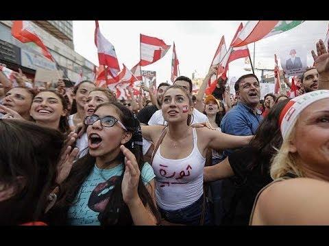 لبنان ينتفض أبرز أحداث ثورة لبنان خلال اسبوعها الأول  + 18 نوح زعيتر هشام حداد زياد سحاب نادين لبكي