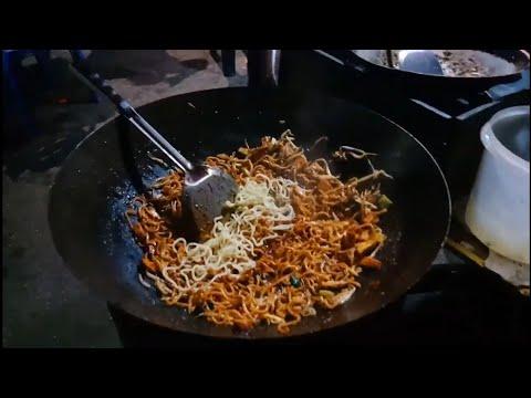 Mee Goreng Mamak ....Street Food...Wow Mouth Watering Malaysian Dish ....