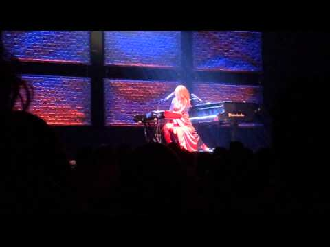 Tori Amos Dust In The Wind/Africa mashup at The Chicago Theater August 5 2014