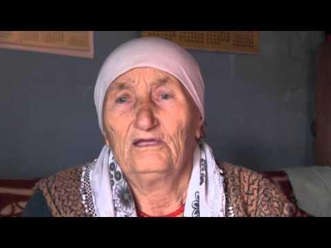 Hido Muratovic - Pomoc starici Fehi Cosovic, selo Bracak.