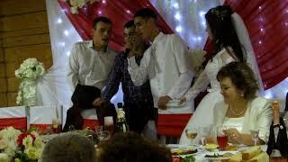 Свадебные песни. Выкуп места жениха и невесты в застолье. Взрывной хит. Песня