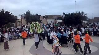 danza nuevo milenio en las estampas típicas del colegio pedro ruiz gallo de c. eten