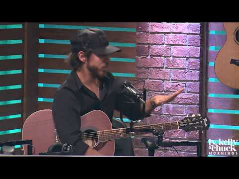 Chris Janson Tells Story of Meeting Mark Wahlberg