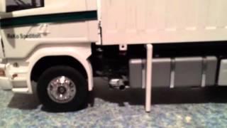 Scania mit Wechselbrücke