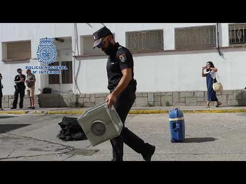 Guías caninos y delitos de odio en las últimas 'clases' policiales de la Escuela de Verano