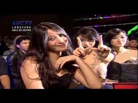 WALI Live At Dahsyatnya Awards 2013 (21-01-2013) Courtesy RCTI