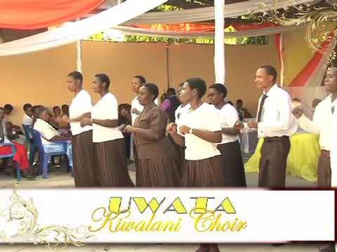 Uwata Kiwalani Choir-TUBHUKE KUMWANYA 2014
