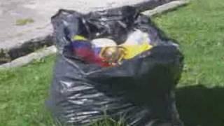 ▲Bandera en Quito e Irrespesto▼