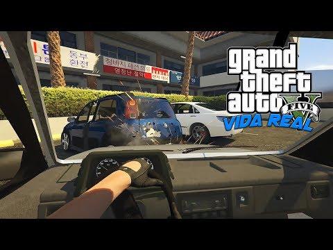 GTA V Vida Real -  Bati o Carro do Cliente no primeiro dia de trampo #02