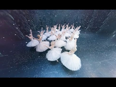 The Nutcracker in 360 degrees (The Royal Ballet)