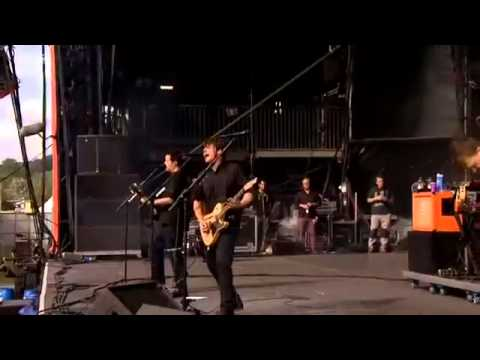 Jimmy Eat World- The Authority Song (Live at Reading Festival 2014)