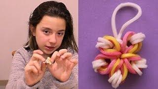 Repeat youtube video Como hacer flor de gomitas para pulseras. Rainbow loom flower charm