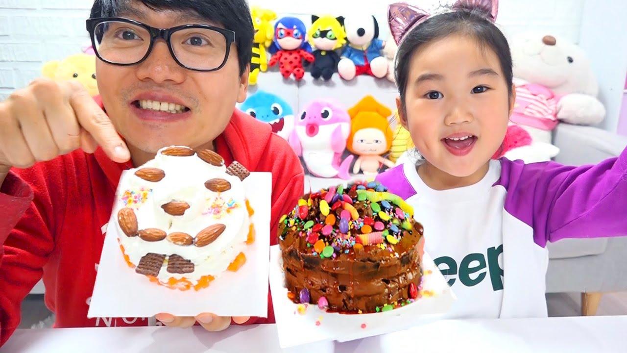 違いは二人にとって理想的なケーキです。チャレンジ🤣ボラムVS Conan💥バースデーケーキ