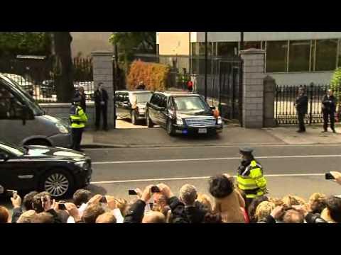 Obama's Car Gets Stuck At US Embassy