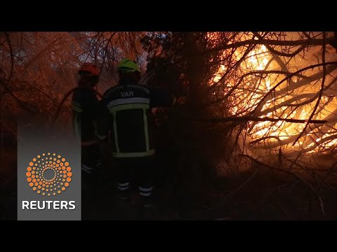 Wildfires burn near resort town of Saint-Tropez
