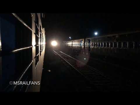 HONKING KJM WDP4 20058 WITH 22133 SOLAPUR - YESHWANTHPUR EXPRESS : INDIAN RAILWAYS