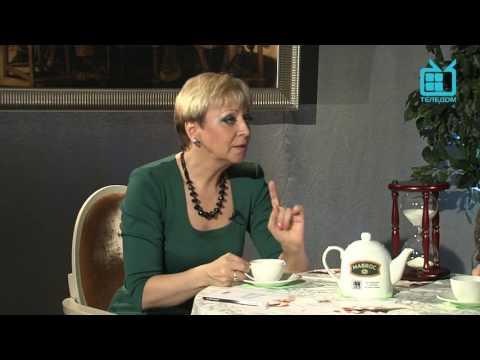 """Дмитрий Быковский в программе """"Разговоры за чашечкой чая с Натальей Дроздовой""""."""