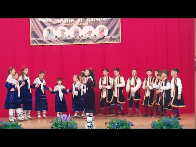 Ansamblul de dansuri tradiționale meglene ALTONA din comuna CERNA, județ Tulcea