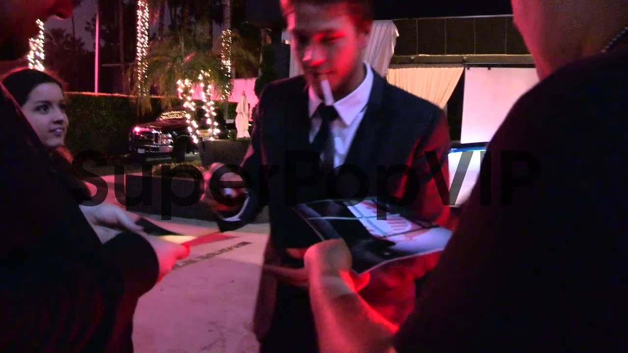 Luke Bracey Greets Fans At Gi Joe Retaliation After Party Youtube