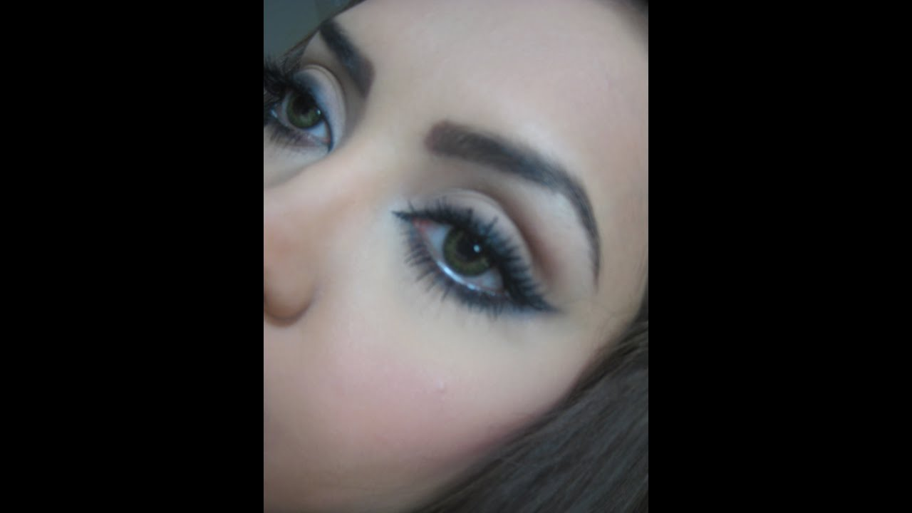 How To Do A Smudged Eyeliner Youtube