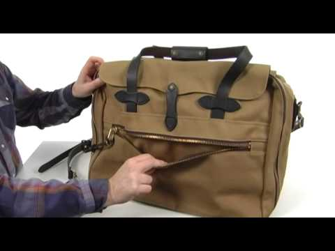 f7db45294bc9 Filson Large Twill Carry-On Travel Bag SKU  8310204 - YouTube