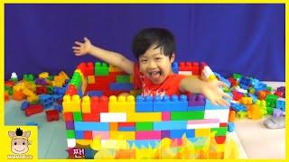 Mega Bloks 1000 blocks building for girl baby! Surprise giant Mega bloks box | MariAndKids Toys
