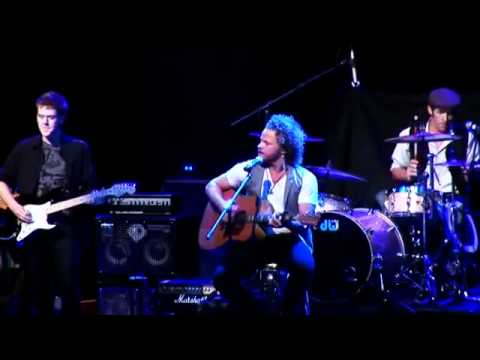 Mike Hudson Band - We Live In Colour (Live)