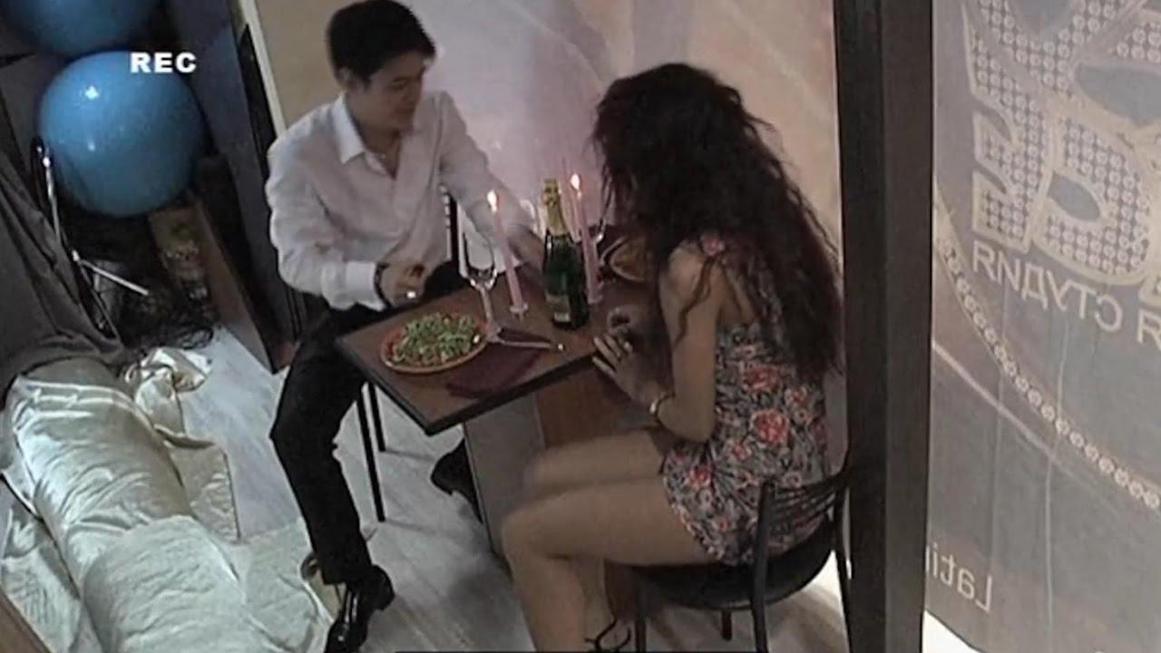 seksom-zhena-izmenyaet-muzhu-s-zhenshinoy-video-video-onlayn