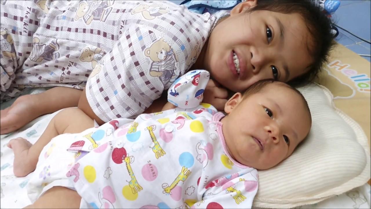 ลูกสาวจ่อยกับลูกสาวหล่าแพงขวัญ my 2 precious daughters