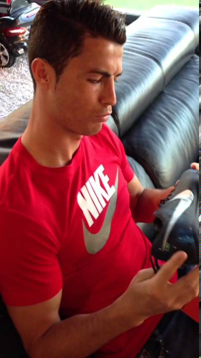 Unboxing New Mercurial Nike Cristiano Boots Ronaldo From Football v0mnw8ON