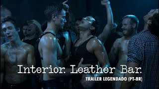 Interior. Leather Bar.  (trailer legendado)