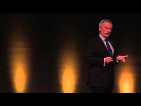 Chris Skinner on stage  Finance 2 0 Conference Zurich