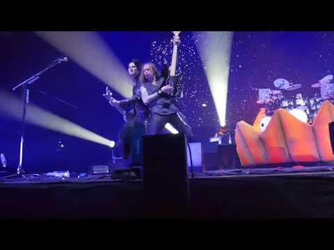Helloween - Sole Survivor live @ Helsinki Ice Hall Black Box Nov 30th 2017