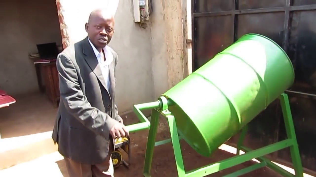 Manual drum mixer used for mixing char and binder