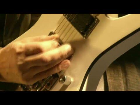 صانع جيتار مصري يواصل شغفه الموسيقي  - نشر قبل 26 دقيقة