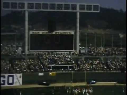 Kansas City Chiefs vs San Diego Chargers 1971 in San Diego Stadium