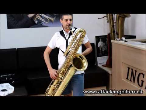 Luigi Cioffi prova sax basso Arnlod & Sond ABS120 Inghilterra strumenti musicali