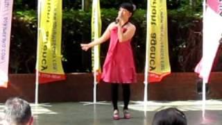 2010年6月27日上本町ハイハイタウンでのミニコンサートで、「君をのせて...