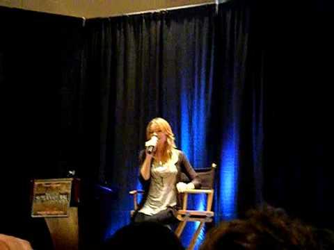 Katherine Boecher on Jared's muscles