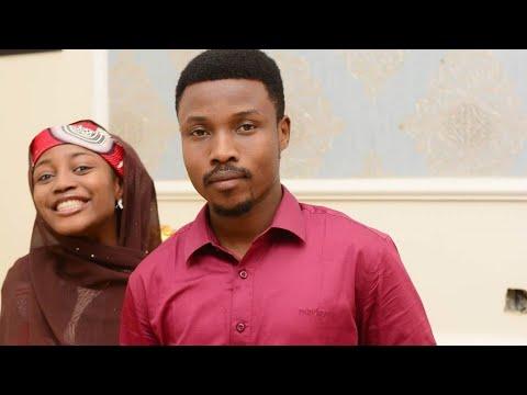 Download Umar M Shareef (Bazan Iya Rabo Dake Ba) Official Song