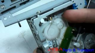видео CLARION DB358RMP