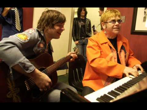 Elton John & Ryan Adams - La Cienega Just Smiled