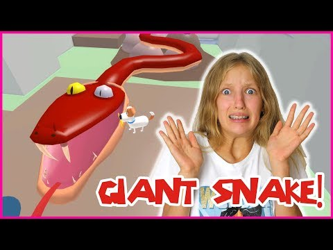 DEFEATING THE GIANT SNAKE!!!