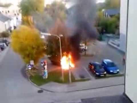 PKW Brand - Freiw. Feuerwehr Traun - Alarm bis Eintreffen