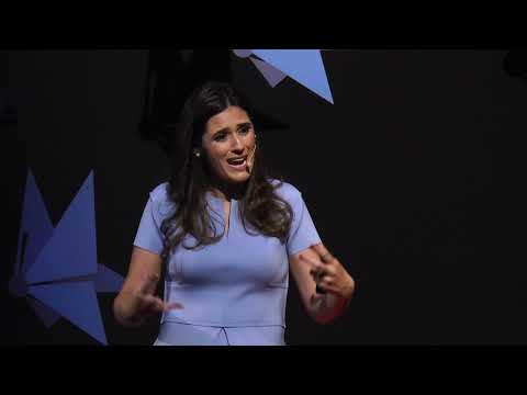 A consciência da morte nos faz humanos | Luciana Dadalto | TEDxFCMMG