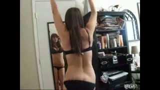 Repeat youtube video Seksi kız güzel çalkalıyor +18  videosizle.net