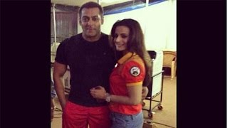 Sultan | Ameesha Patel Visited Salman Khan On The Sets Of Sultan