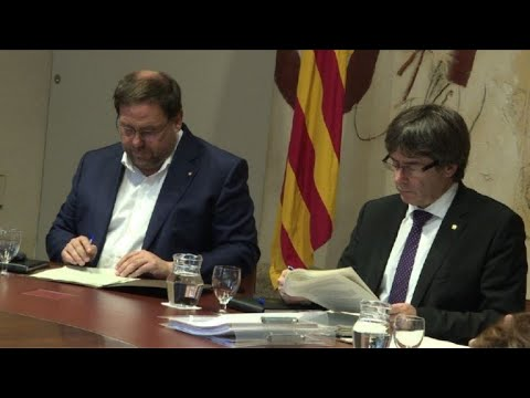 Catalan cabinet meets as independence deadline approaches