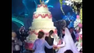 Торт на свадьбе сына миллиардера