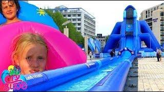 Toboggan - Un Toboggan Aquatique Géant dans ma RUE -  City Slide
